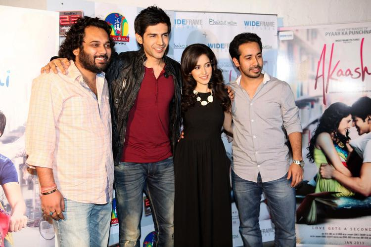 Luv,Kartik,Nushrat And Abhishek Posed For Camera At The Akaash Vani Film Music Promotion