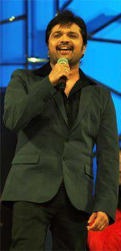 Himesh Reshammiya Nice Performance Photo At Umang Police Show 2013