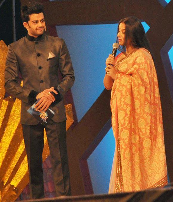 Manish With Vidya Host The Show Umang On Stage At Mumbai