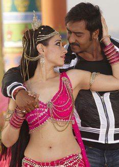 Ajay And Tamanna Nice Dance Still From Himmatwala Movie