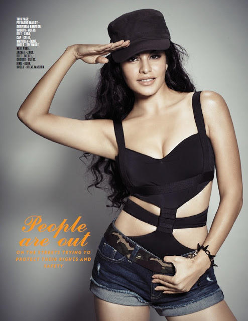 Jacqueline Fernandez Hot Cleavage Show Photo On FHM Magazine