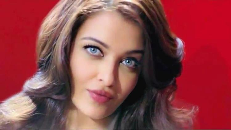 Aishwarya Smoky Eyes Look Photo Shoot For L'Oreal Paris Total Repair 5 Ad