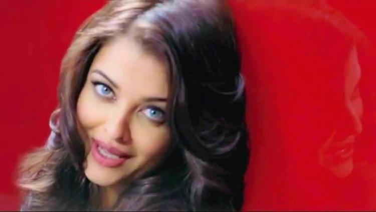 Aishwarya Spicy Eyes Look Nice Photo Shoot For L'Oreal Paris Total Repair 5 Ad