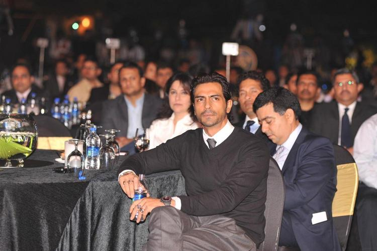 Arjun Rampal Spotted At Bloomberg TV Autocar India Awards 2013