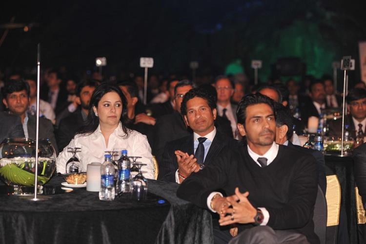 Sachin And Wife Anjali With Arjun Enjoyed At Bloomberg TV Autocar India Awards 2013 Ceremony