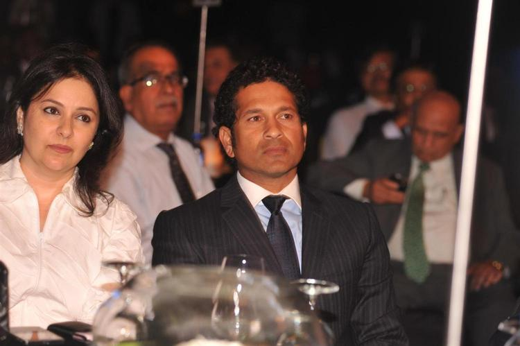 Sachin With Wife Anjali Arrive At Bloomberg TV Autocar India Awards 2013
