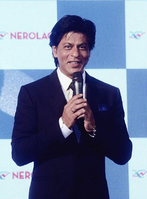 Shahrukh Khan Gorgeous Smiling Photo Clicked At The Nerolac Paint The Change Initiative Event