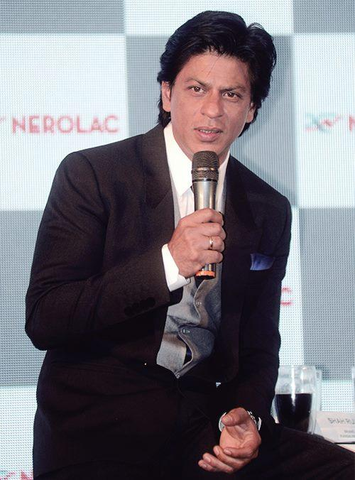 Shahrukh Khan Speak Out Photo Clicked At The Nerolac Paint The Change Initiative Event