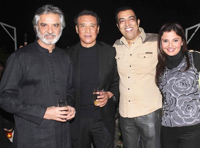 Danny With Vindoo And Deepshikha Clicked At Ranjeet And Wife Nazneen Dinner Party