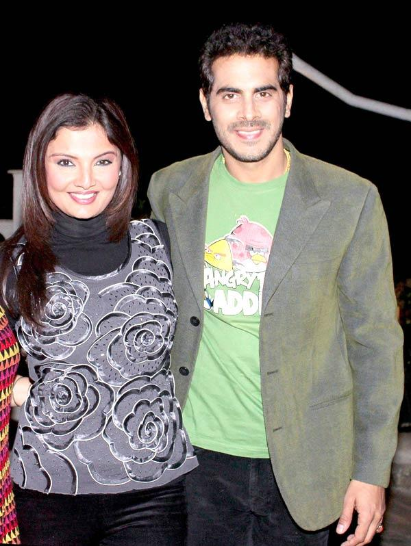 Deepshikha With Hubby Kaishav At Ranjeet And Wife Nazneen Dinner Party