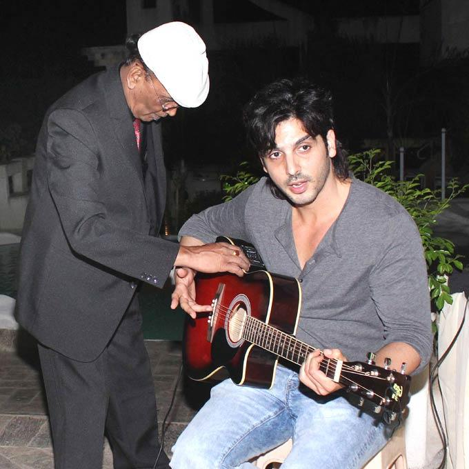 Zayed Strums The Guitar At Ranjeet And Wife Nazneen Dinner Party