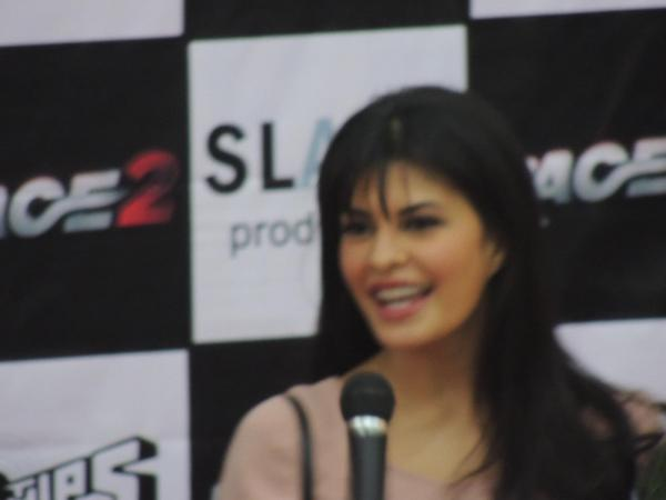 Jacqueline Charming Look Photo Still At Reliance Digital In Pune To Promote Race 2