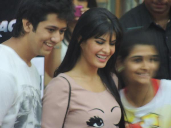 Jacqueline Cute Smiling Photo Clicked At Reliance Digital In Pune To Promote Race 2