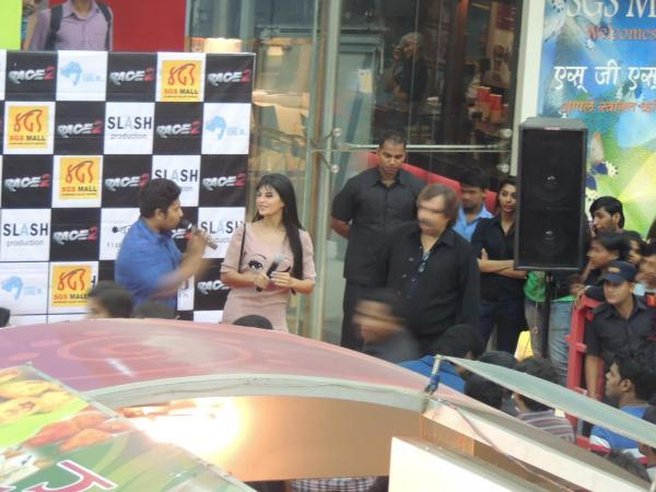 Jacqueline Photo Clicked At Reliance Digital In Pune To Promote Race 2