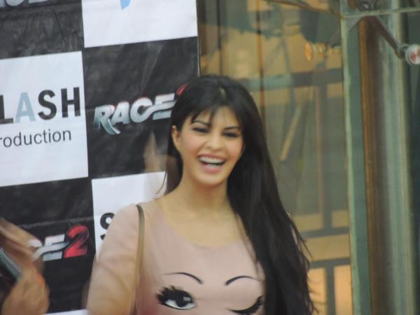 Jacqueline Smiling Photo Clicked At Reliance Digital In Pune To Promote Race 2