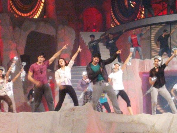 Alia,Varun And Siddarth Rehearsals In Disco Song Of Soty For 19th Annual Colors Screen Awards