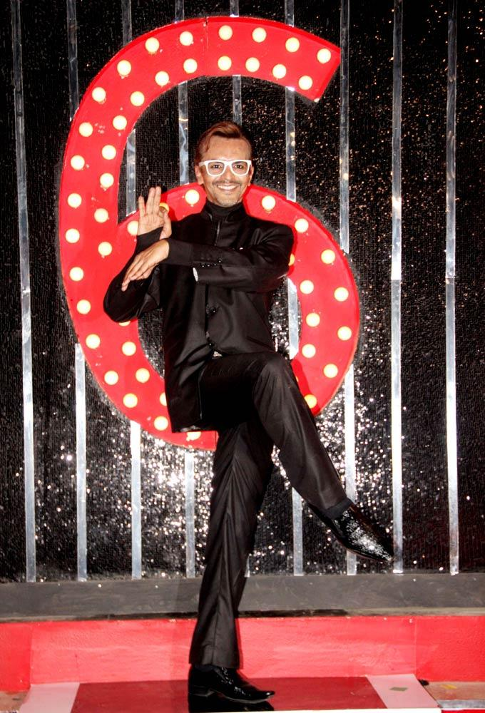 Imam Strikes A Weird Pose At Bigg Boss 6 Grand Finale