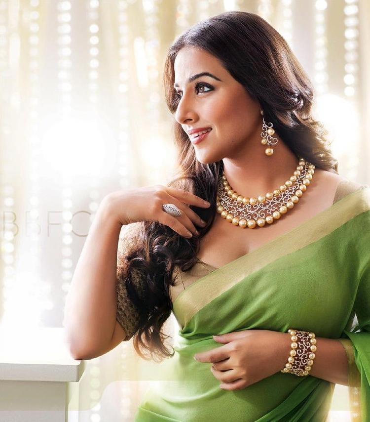 Vidya Balan Hot And Sizzling Look Photo Ad In Saree For Ranka Jewellers