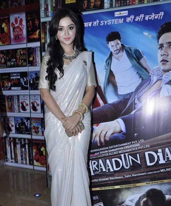 Ragini Nandwani Gorgeous Look In Saree At The Screening Of Dehradun Diary