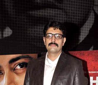 Priyanshu Dashing Photo Clicked At The Premiere Of The Film Rajdhani Express