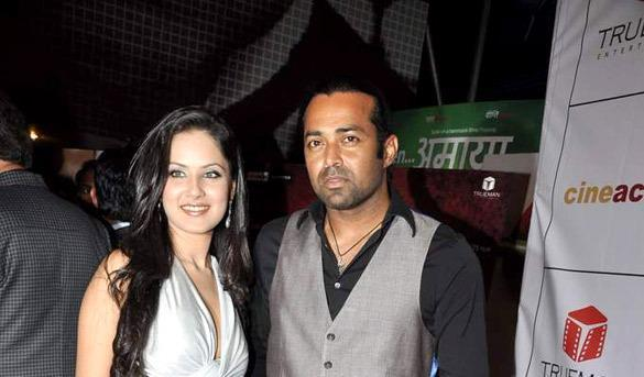 Puja And Leander Cosy Pose Photo Clicked At The Premiere Of The Film Rajdhani Express