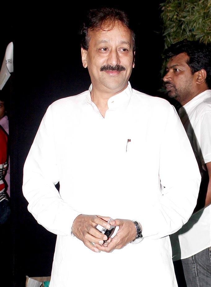 Baba Siddiqui Durinh The Mana Shetty Store Launch