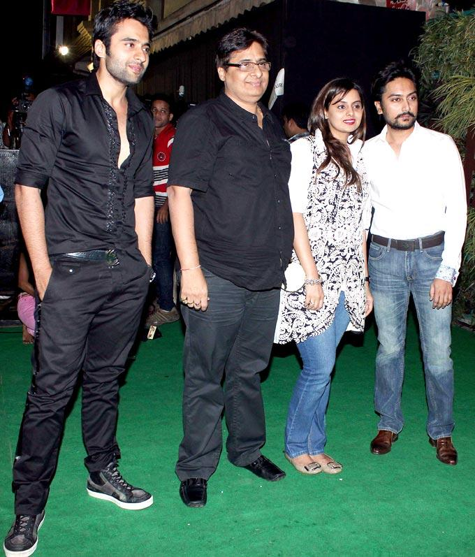 Jackky With Dad Vashu, Sister Honey And Brother-In-Law Dheeraj At Mana Shetty Store Launch