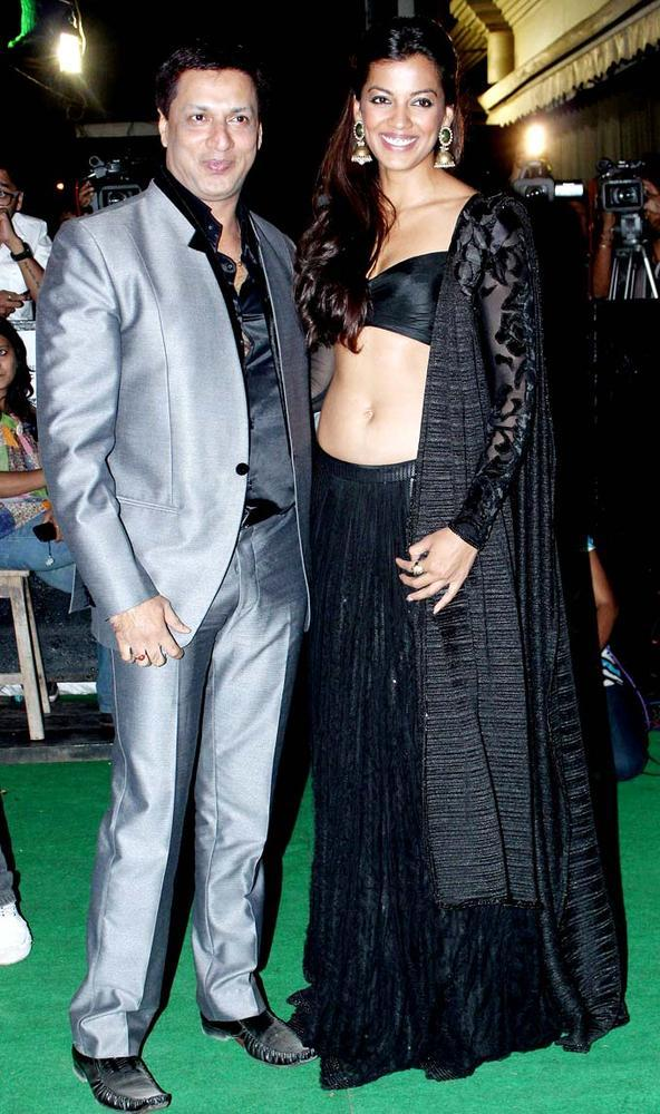 Madhur Bhandarkar With Mugdha Godse Posed For Camera At Mana Shetty Store Launch