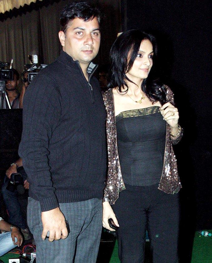 Varun Badola With Rajeshwari Sachdev Clicked At Mana Shetty Store Launch