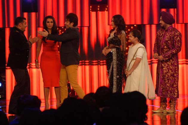 Neha And Tushar Spotted At Bigg Boss 6 Grand Finale Host By Salman