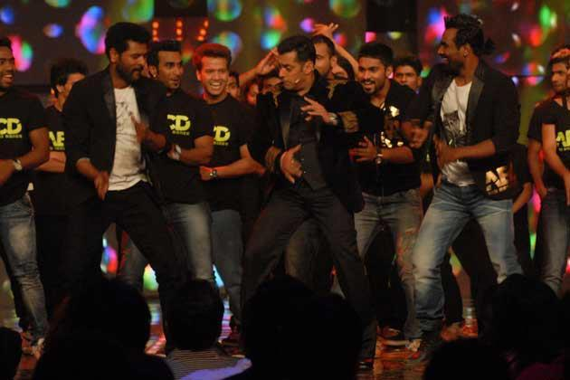 Prabhu Deva,Salman And Remo Perform In A Song  At Bigg Boss 6 Grand Finale