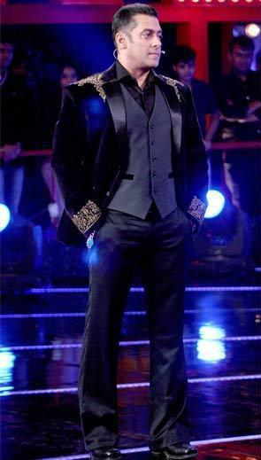 Salman Dashing Look Pose Photo Clicked At Bigg Boss 6 Grand Finale