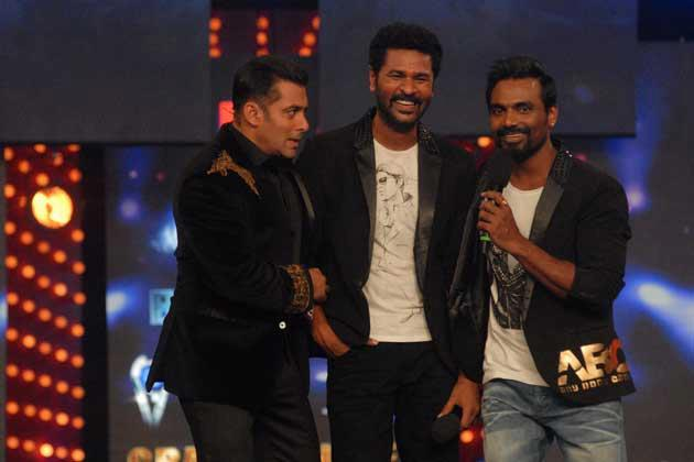 Salman With Prabhu And Remo Cute Smiling Photo Clicked At Bigg Boss 6 Grand Finale