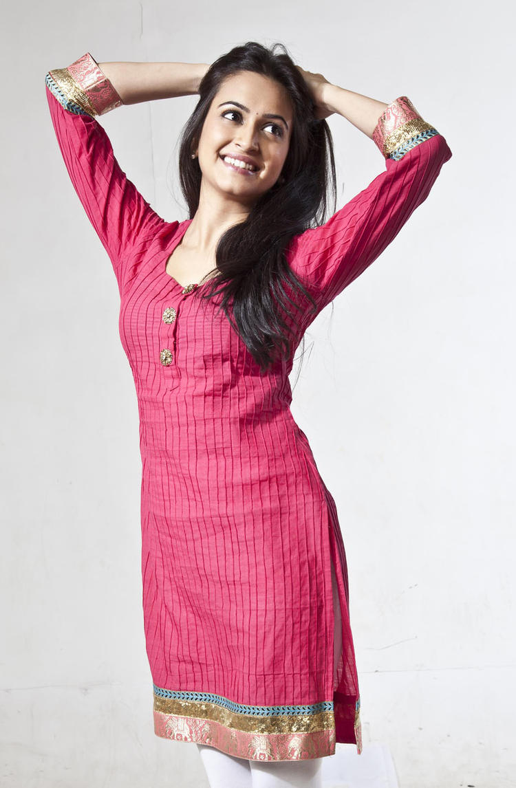Kriti Gorgeous Look Photo In A Pink Chudidar From Kannada Movie Galate
