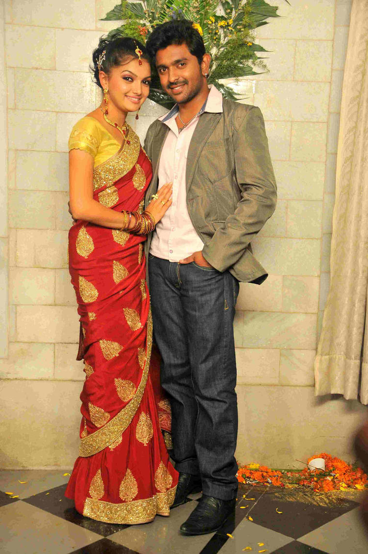 Saranya And Ajith Dazzling Look Photo Kannada Movie Ee Bhoomi Aa Bhanu