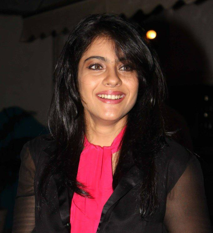 Kajol Complete Her Look With Flowing Hair Spotted At Dabboo Ratnanis 2013 Calendar Launch