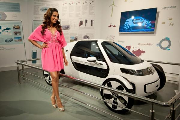Bipasha Posed For Camera With Volkswagen Pavilion At The Indo-German Urban Mela