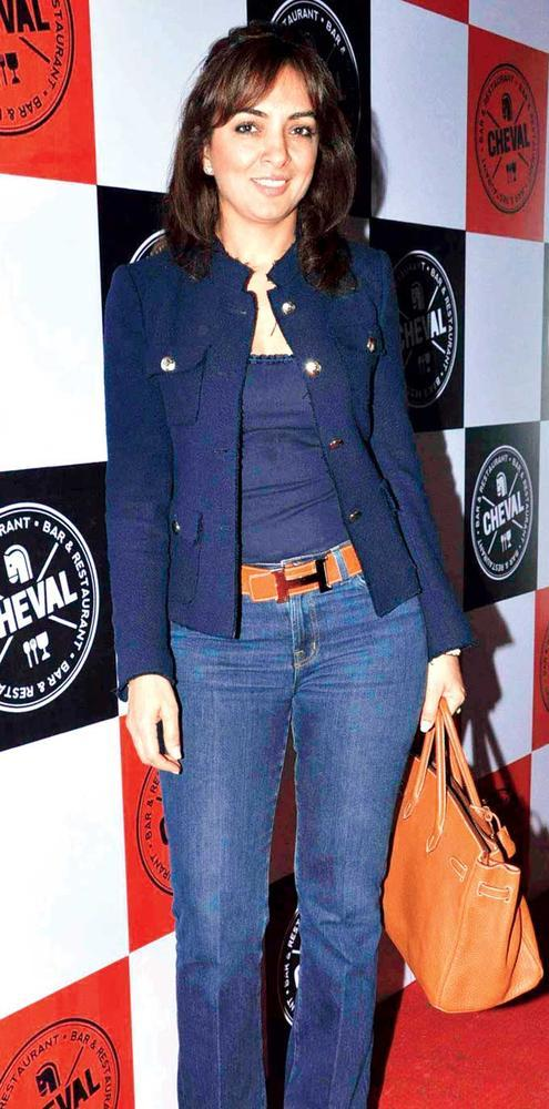 Lata Patel In Casual Blue Chic Posed For Camera At Cheval Bar And Resturant
