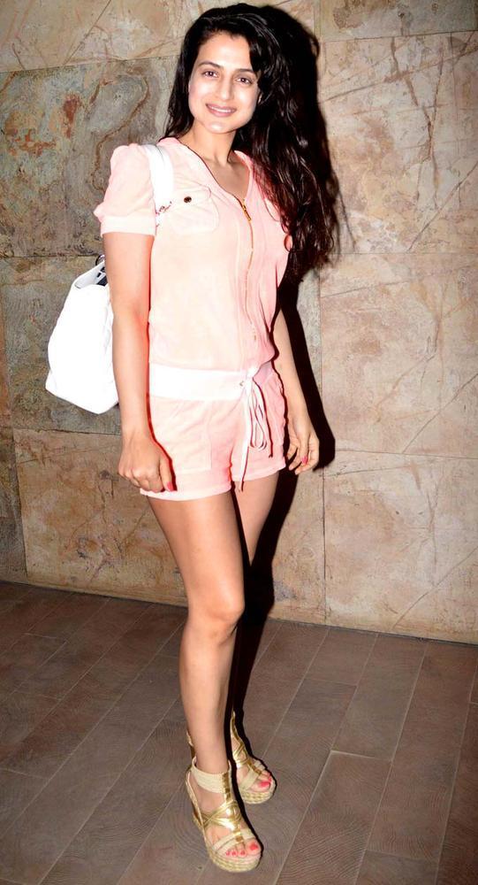 Ameesha Patel Sexy Look Photo At Special Screening Of Inkaar