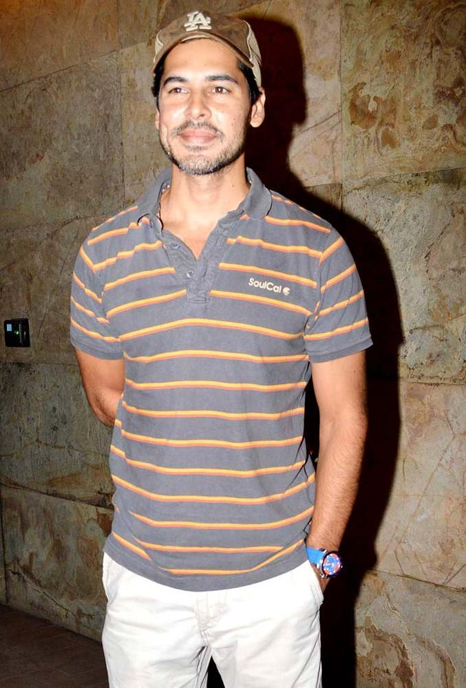 Dino Morea Smart Look Photo Clicked At Special Screening Of Inkaar