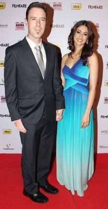 Ileana With aFriend Pose For Camera At The 58th Filmfare Nomination Party