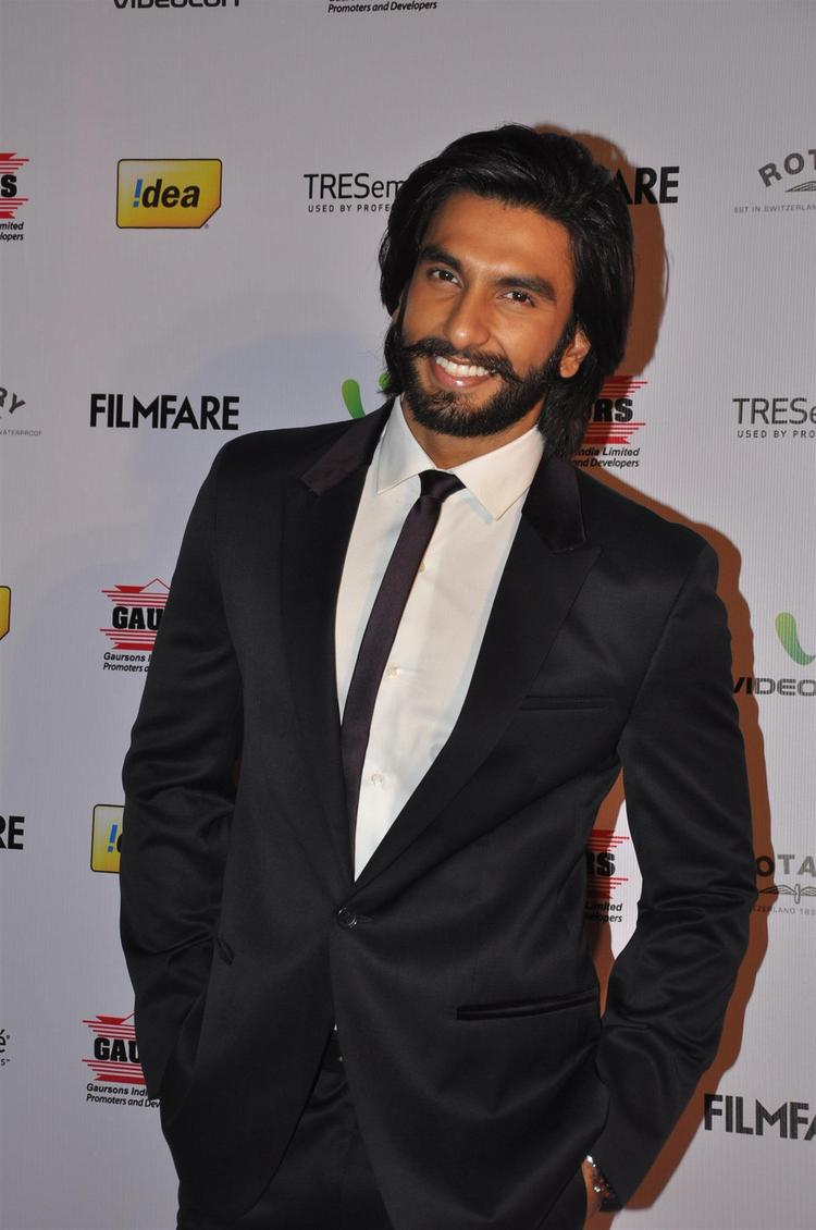Ranveer Singh Nice Smiling Photo In A Suit At The 58th Filmfare Nomination Party