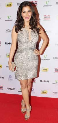 Sophie Hot Look Photo Clicked On Red Carpet At The 58th Filmfare Nomination Party