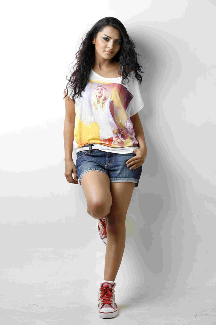 Sandalwood Saregama Kannada Movie Heroin Photo In Mini Dress