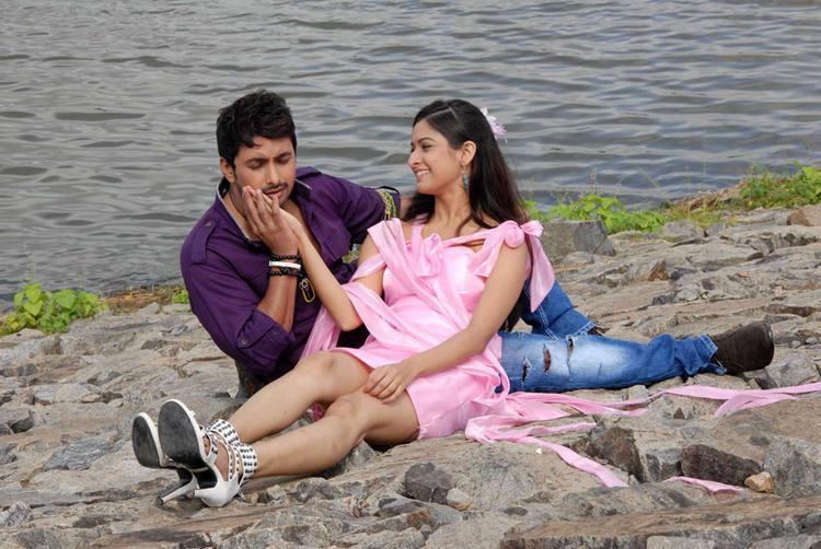 Mrudula And Tarun From Pade Pade Kannada Movie