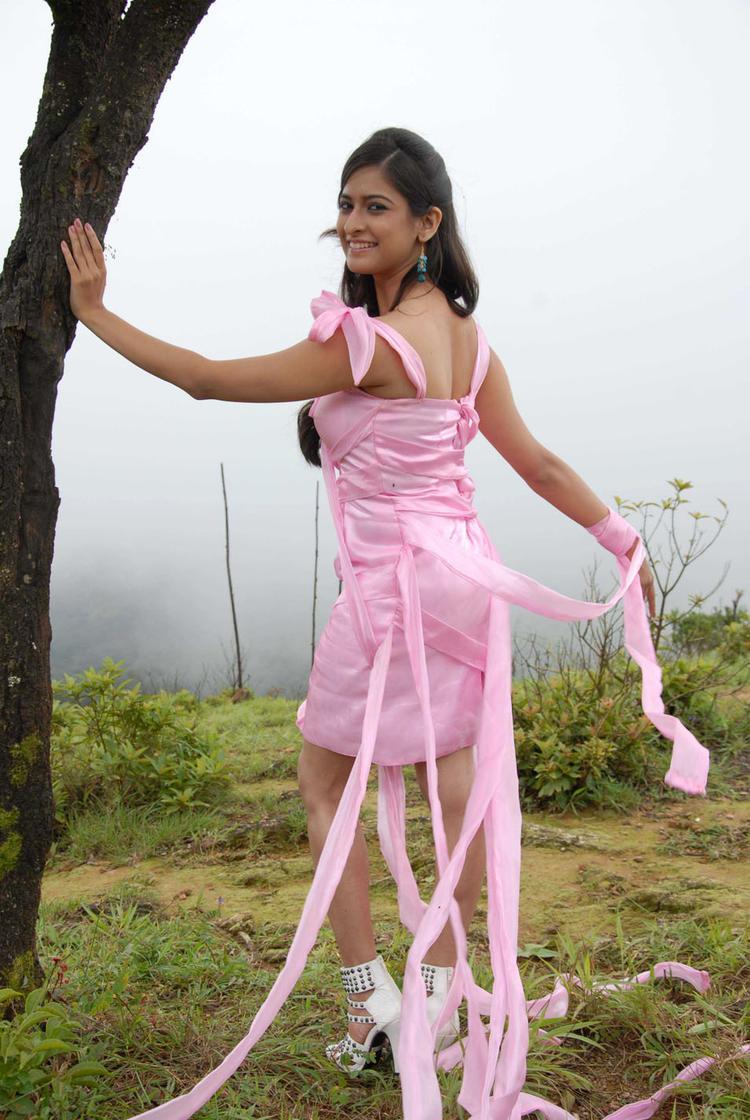 Mrudula Looked Radiant And Beautiful In Pade Pade Kannada Movie