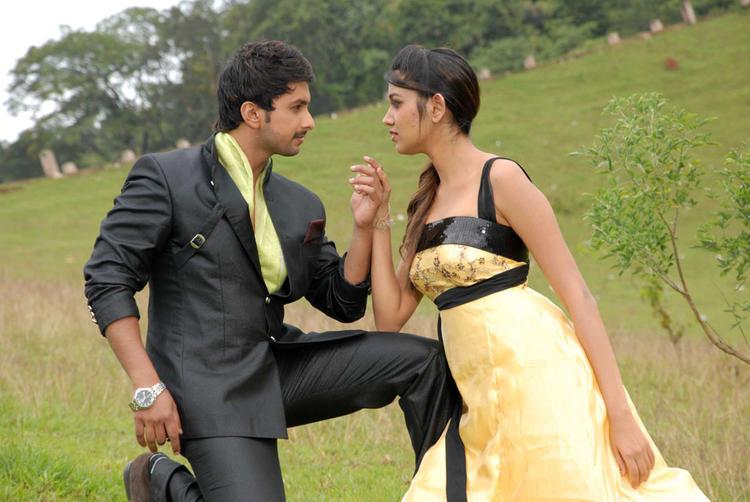 Tarun And Akila Dashing Photo From Pade Pade Kannada Movie