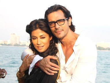 Chitrangada And Arjun Hug Photo Still From Movie Inkaar