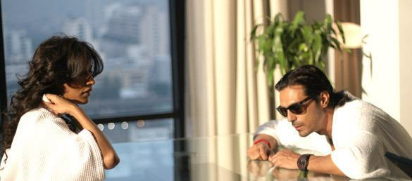 Chitrangada And Arjun Smart Look Photo From Movie Inkaar