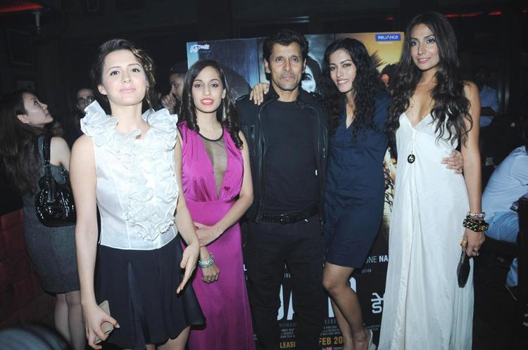 Isha,Shweta,Vikram,Sheetal And Monica Smiling Pose At David Music Launch And Live Music Concert